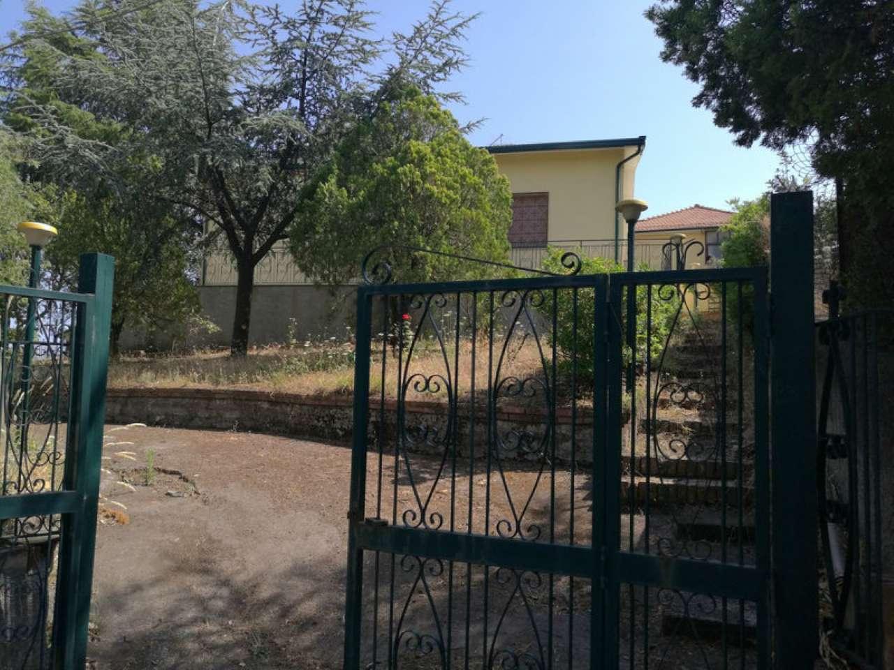 Villa in vendita a Pedara, 9999 locali, prezzo € 180.000 | CambioCasa.it