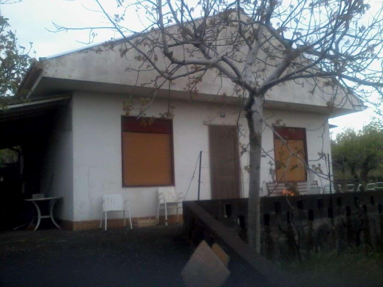 Villa in vendita a Pedara, 2 locali, prezzo € 95.000 | CambioCasa.it