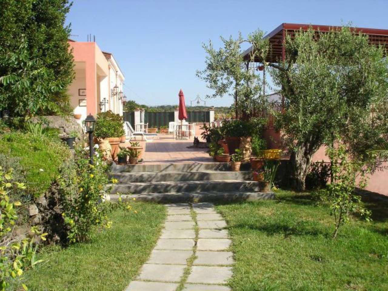 Agriturismo in vendita a Piedimonte Etneo, 9999 locali, Trattative riservate | CambioCasa.it