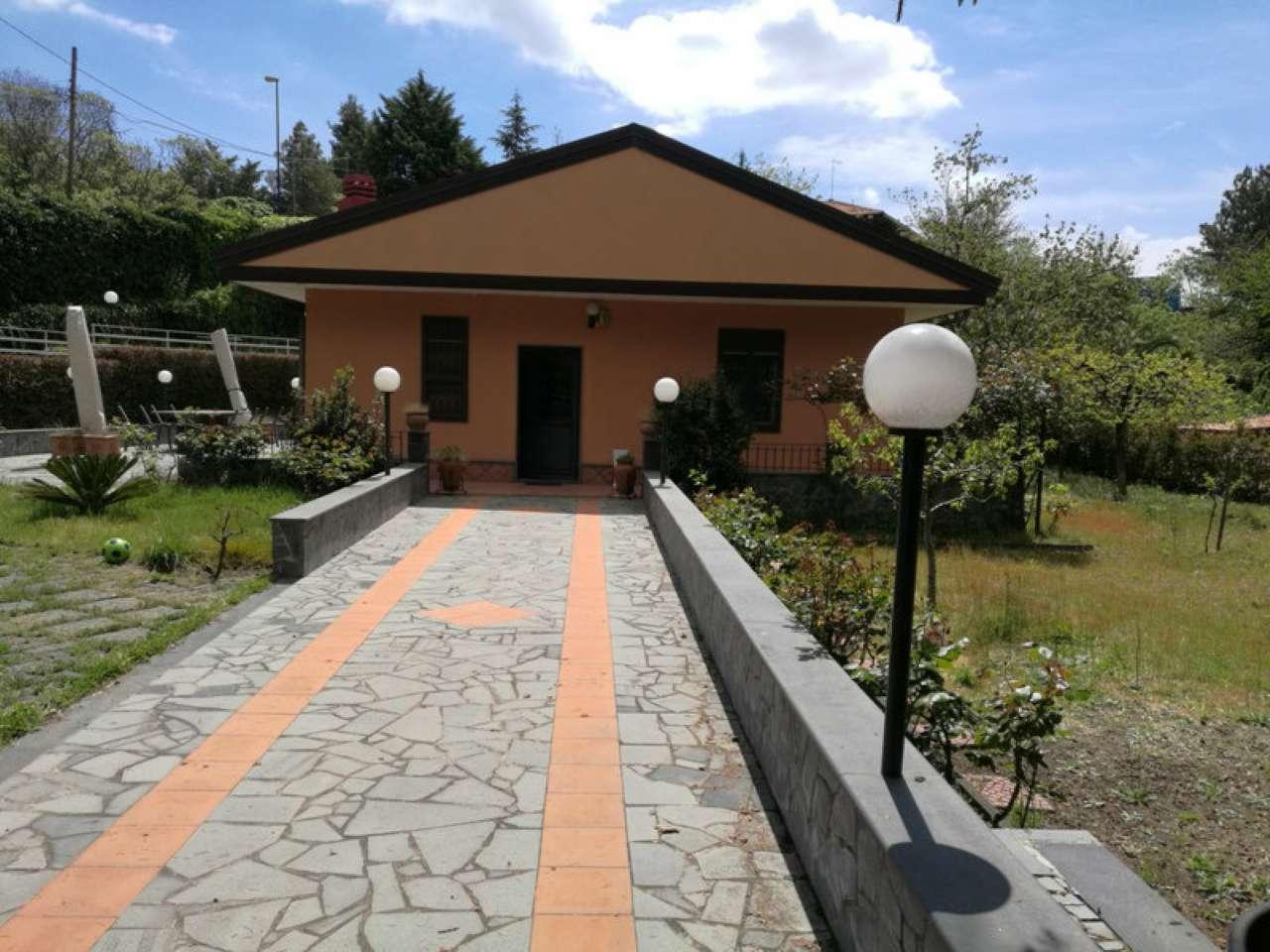 Villa in vendita a Pedara, 9999 locali, prezzo € 260.000 | CambioCasa.it