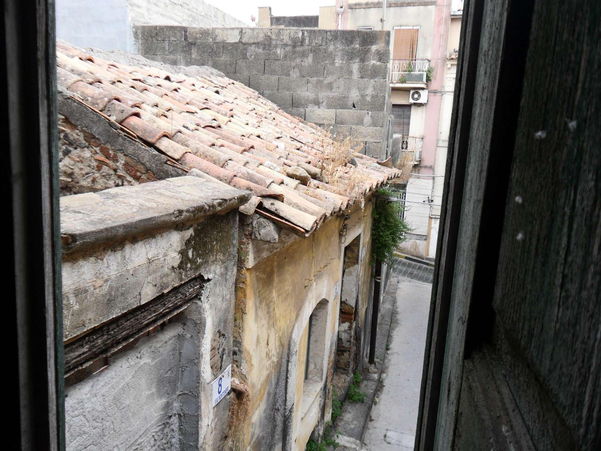 Soluzione Indipendente in vendita a Motta Sant'Anastasia, 9999 locali, prezzo € 15.000 | CambioCasa.it