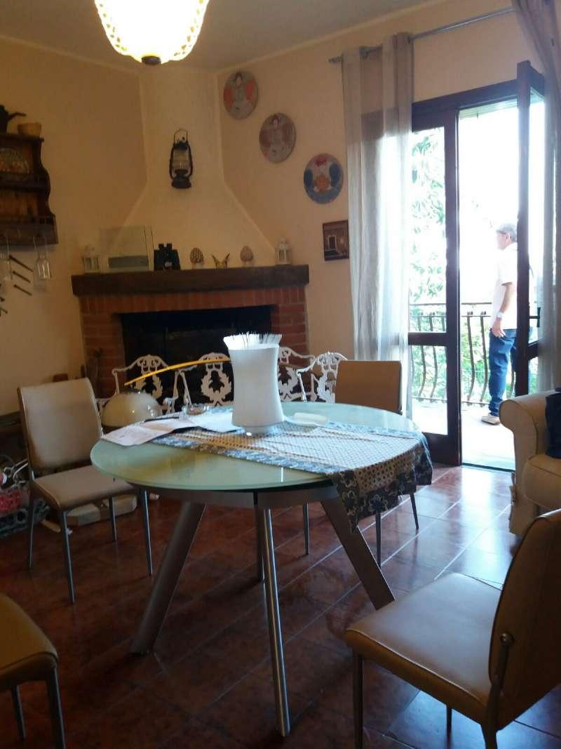 Villa in vendita a Pedara, 4 locali, prezzo € 135.000 | CambioCasa.it