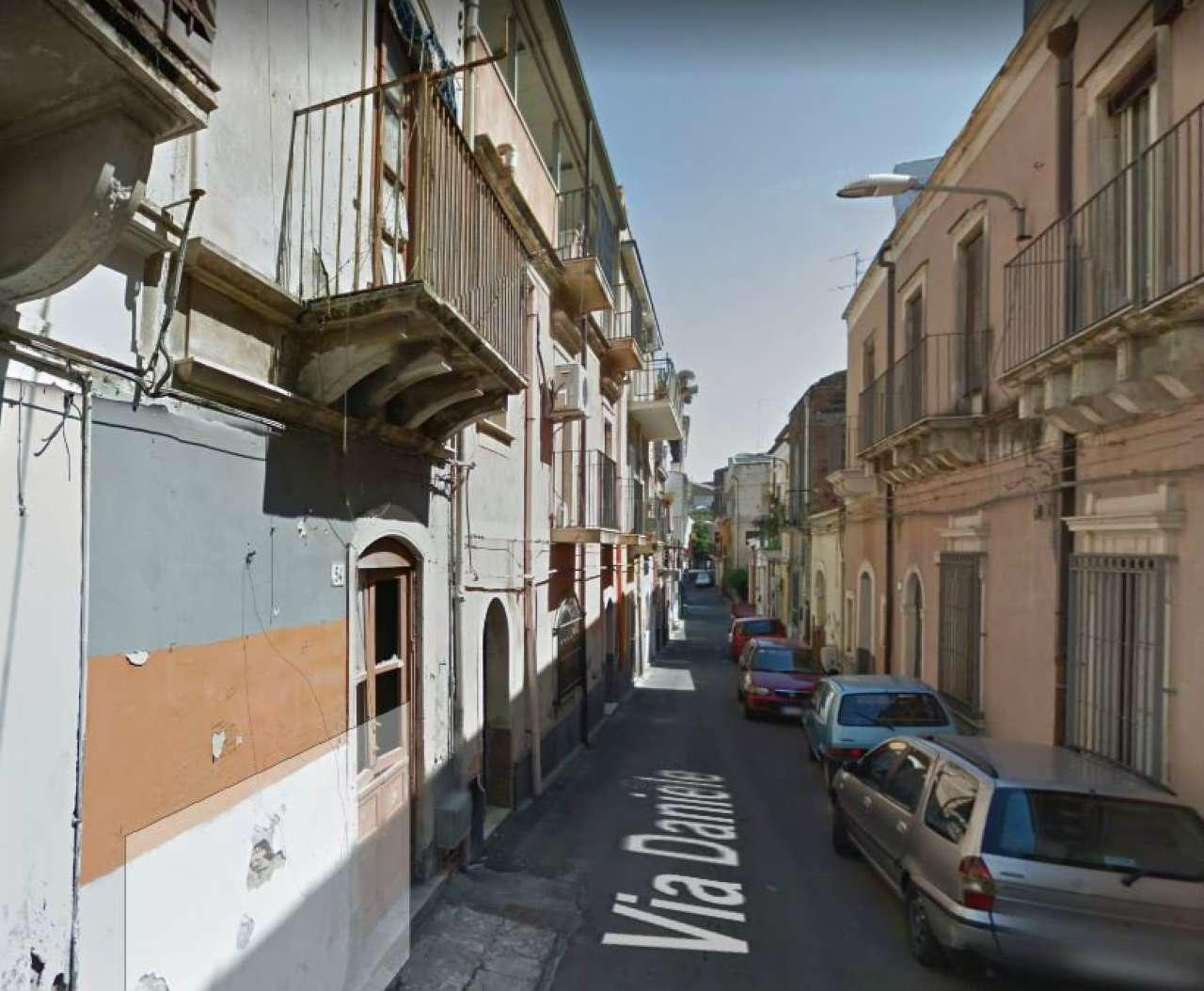 Soluzione Indipendente in vendita a Catania, 9999 locali, prezzo € 40.000 | CambioCasa.it