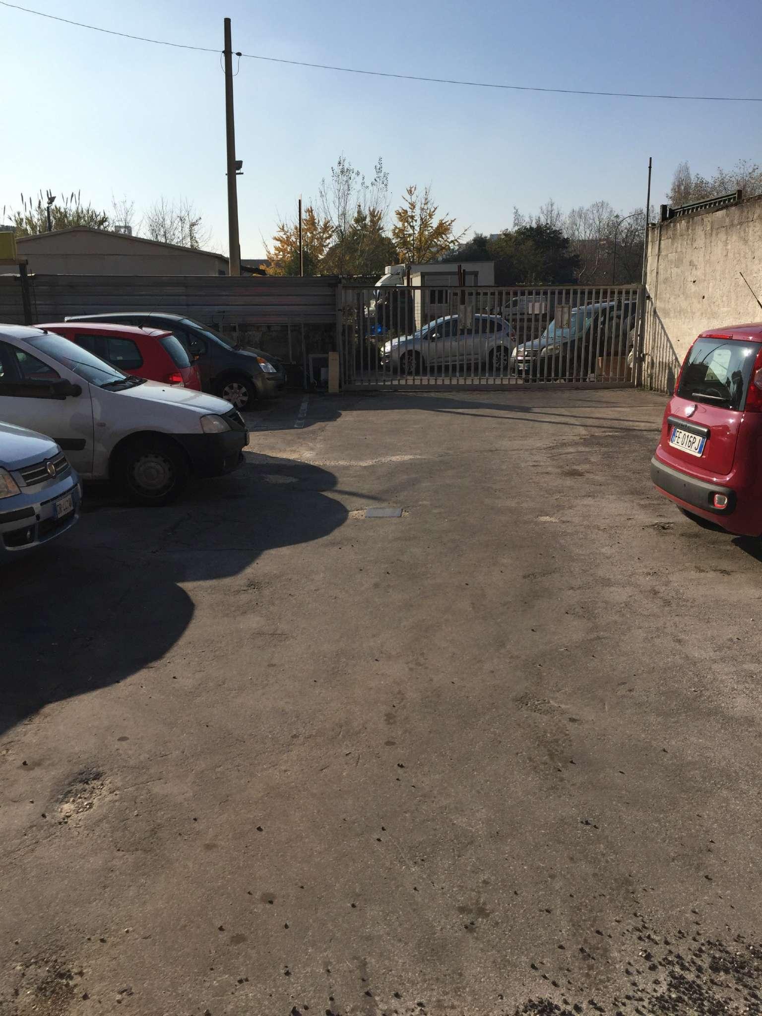 Capannone in affitto a Napoli, 1 locali, zona Zona: 9 . Soccavo, Pianura, prezzo € 1.850 | Cambio Casa.it