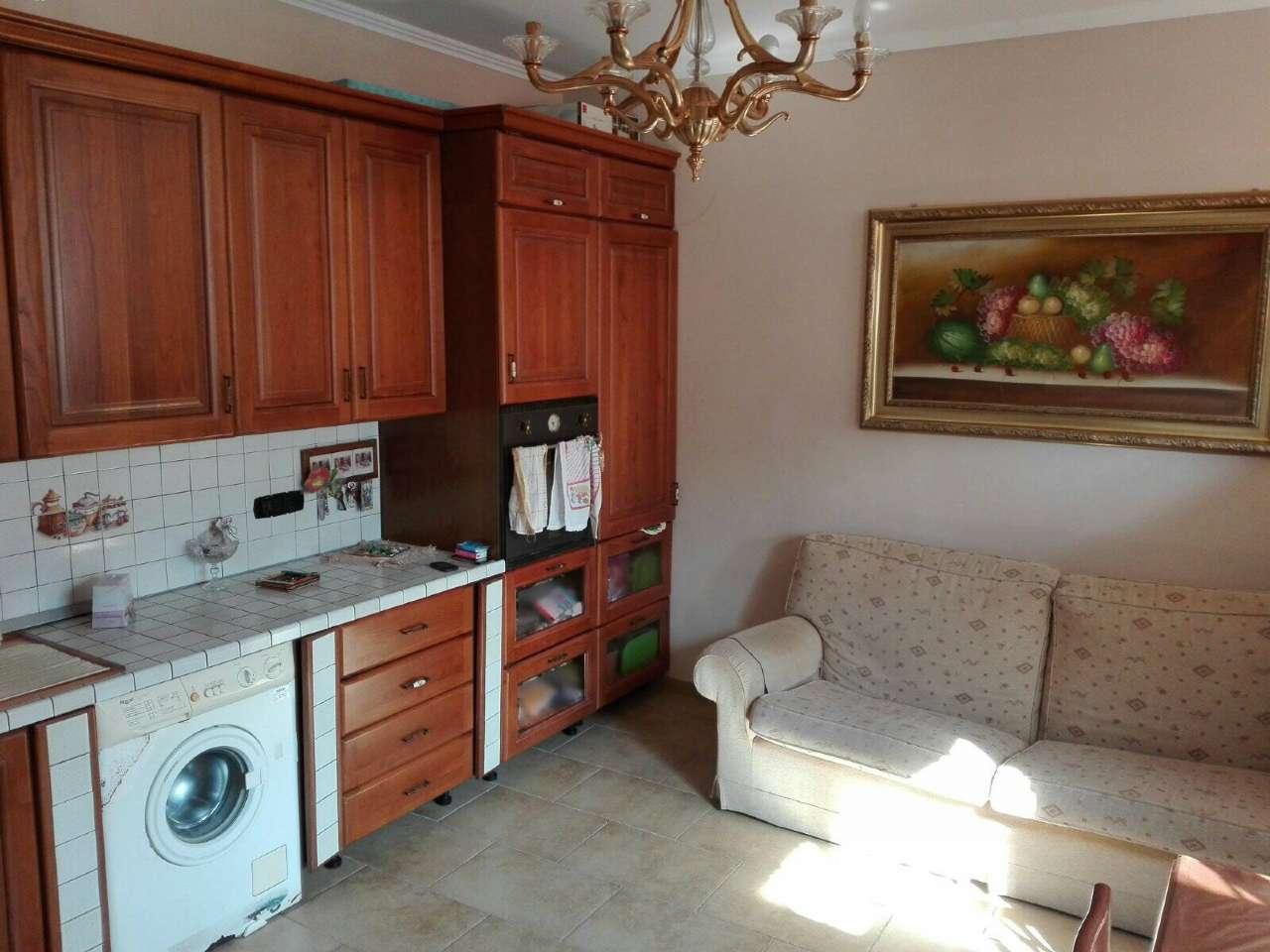 Soluzione Indipendente in vendita a Napoli, 3 locali, zona Zona: 9 . Soccavo, Pianura, prezzo € 158.000 | CambioCasa.it