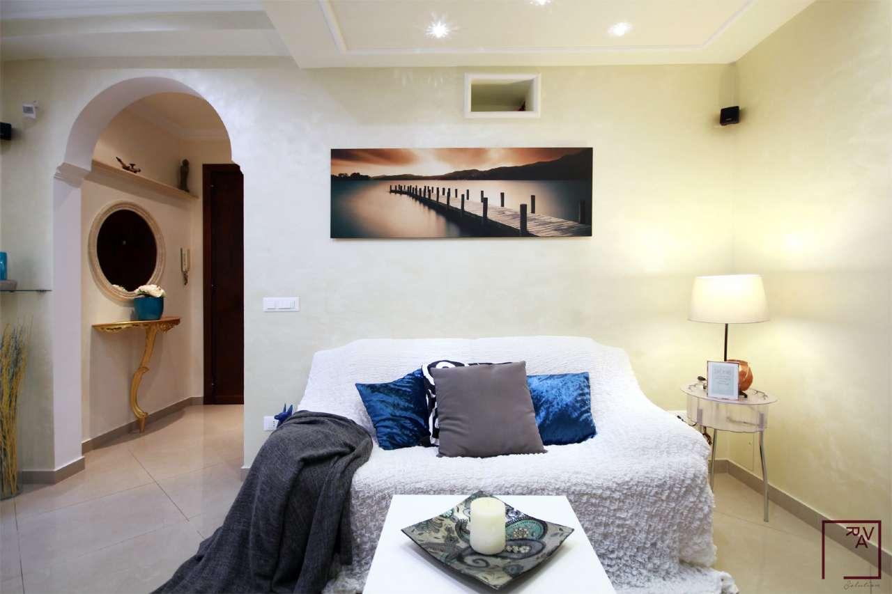 Bilocale roma vendita zona 12 cinecitt don for 3 costo del garage per metro quadrato