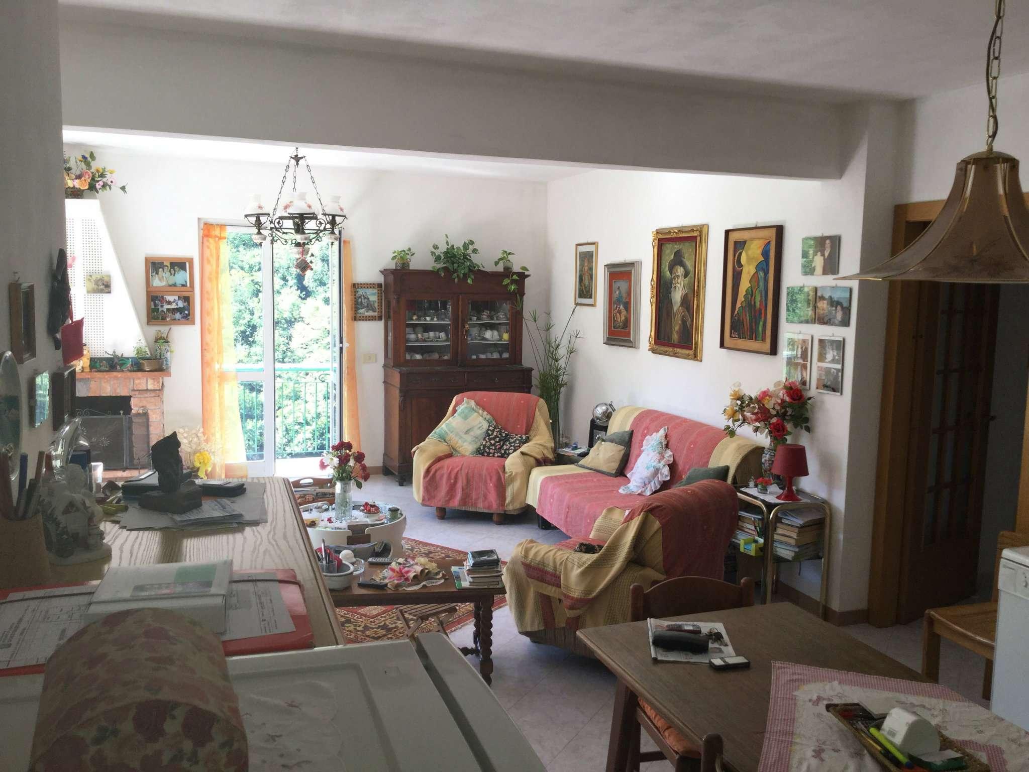 Villa Tri-Quadrifamiliare in Vendita a Tribogna