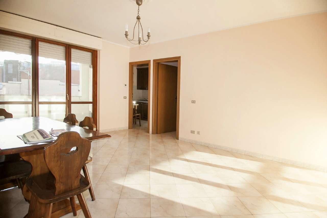 Appartamento in vendita a Baranzate, 3 locali, prezzo € 169.000 | Cambio Casa.it