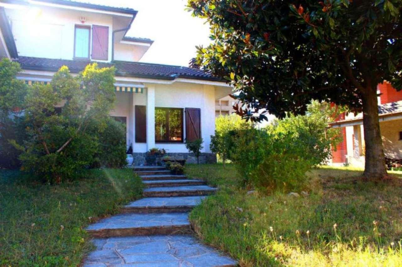 Villa in vendita a Novate Milanese, 5 locali, Trattative riservate | Cambio Casa.it