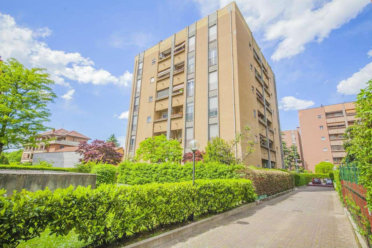Appartamento in vendita a Baranzate, 4 locali, prezzo € 190.000 | CambioCasa.it