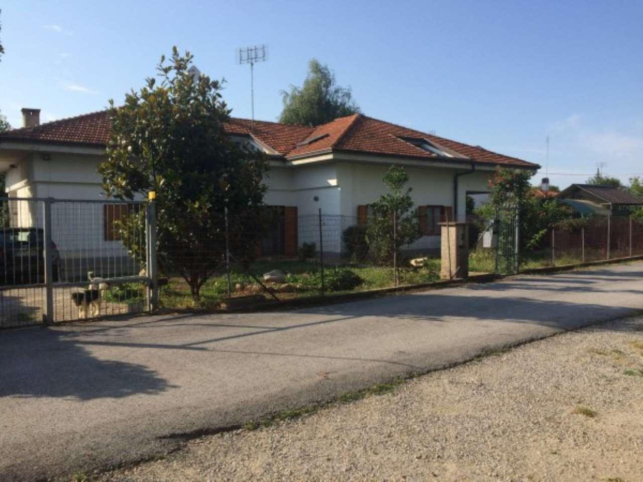 Villa in vendita a Cuneo, 6 locali, prezzo € 350.000   CambioCasa.it