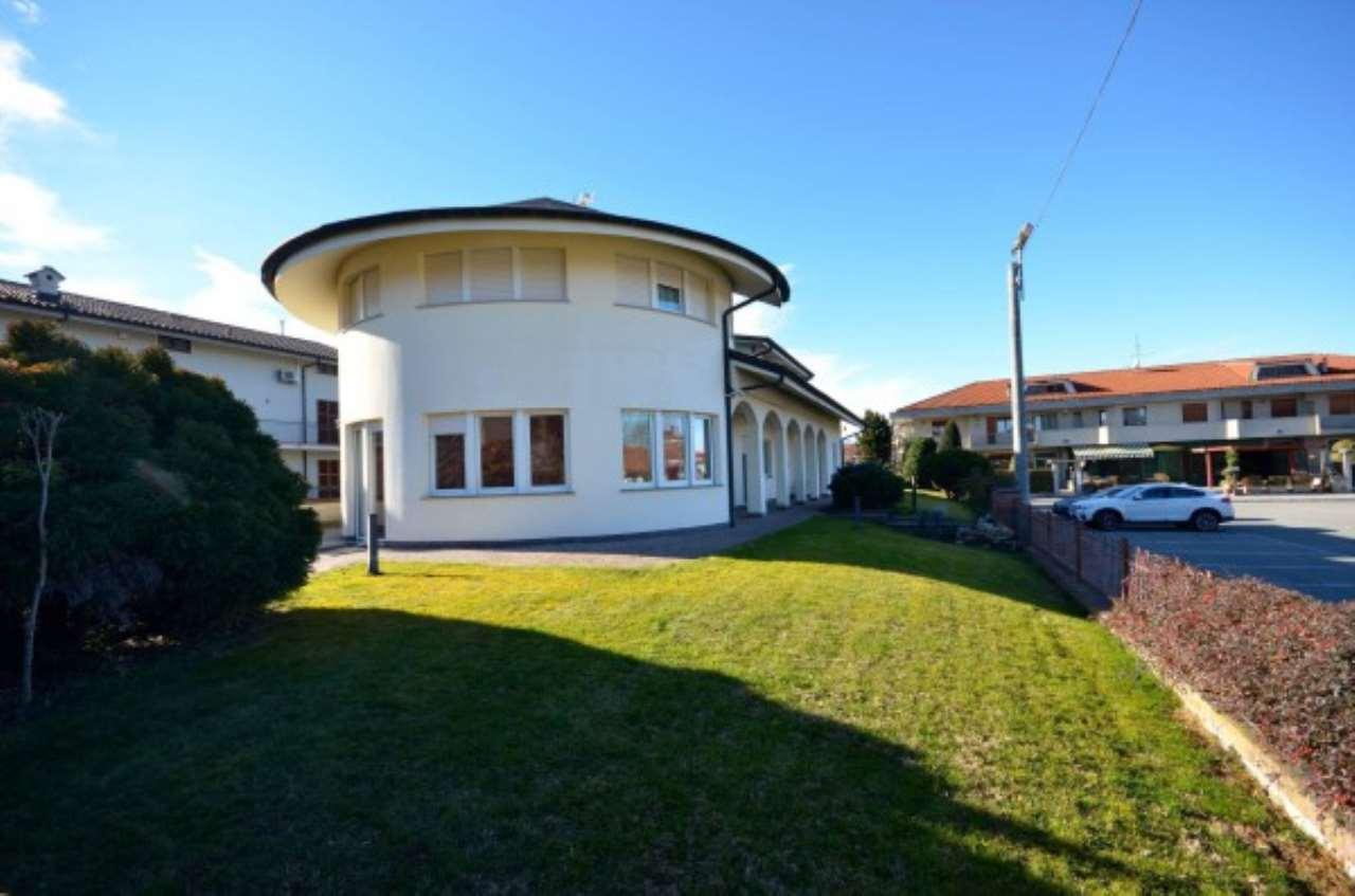 Villa in vendita a Centallo, 6 locali, prezzo € 590.000 | Cambio Casa.it