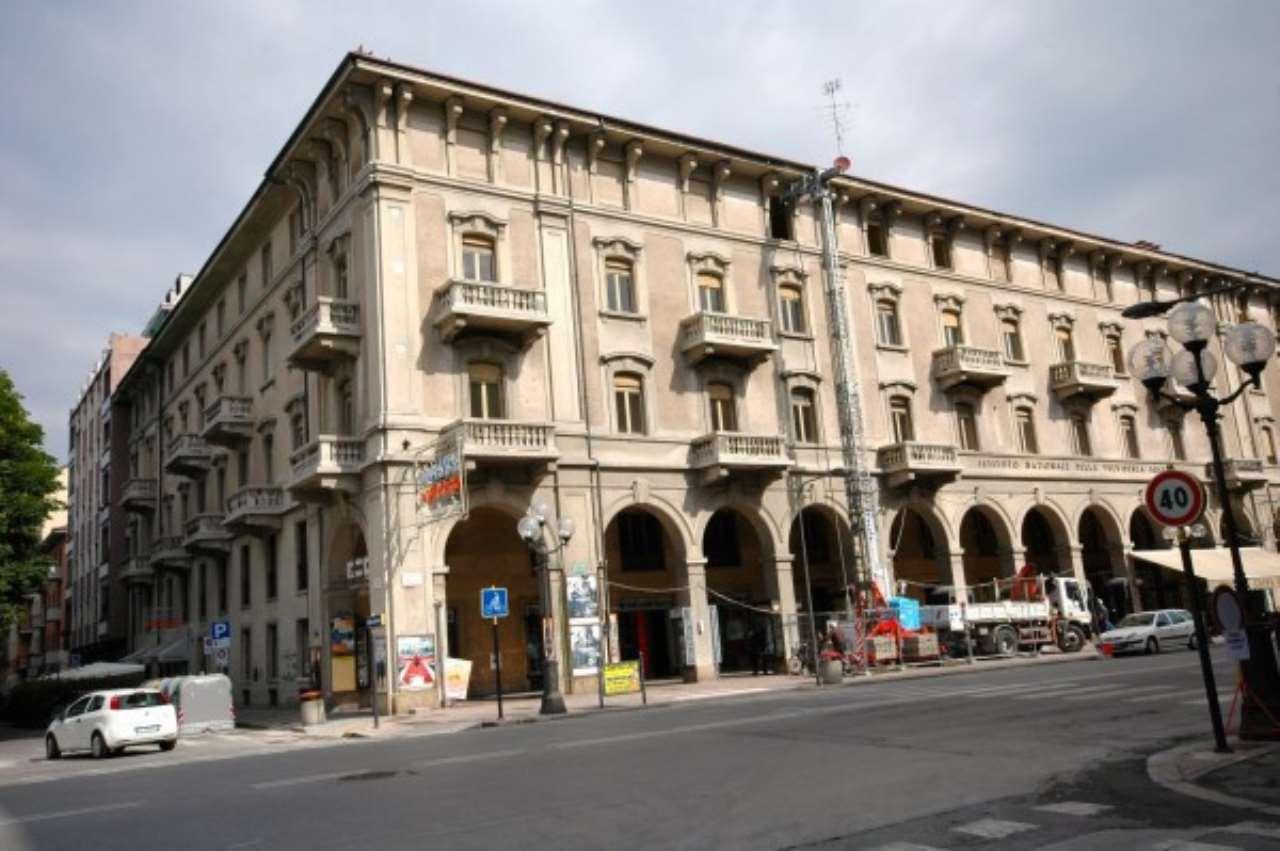 Ufficio / Studio in affitto a Cuneo, 6 locali, Trattative riservate | CambioCasa.it