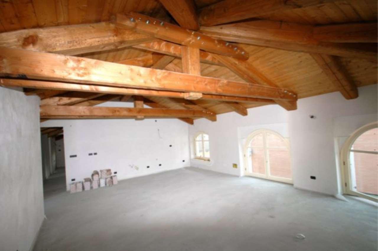 Attico / Mansarda in vendita a Centallo, 3 locali, prezzo € 290.000 | CambioCasa.it