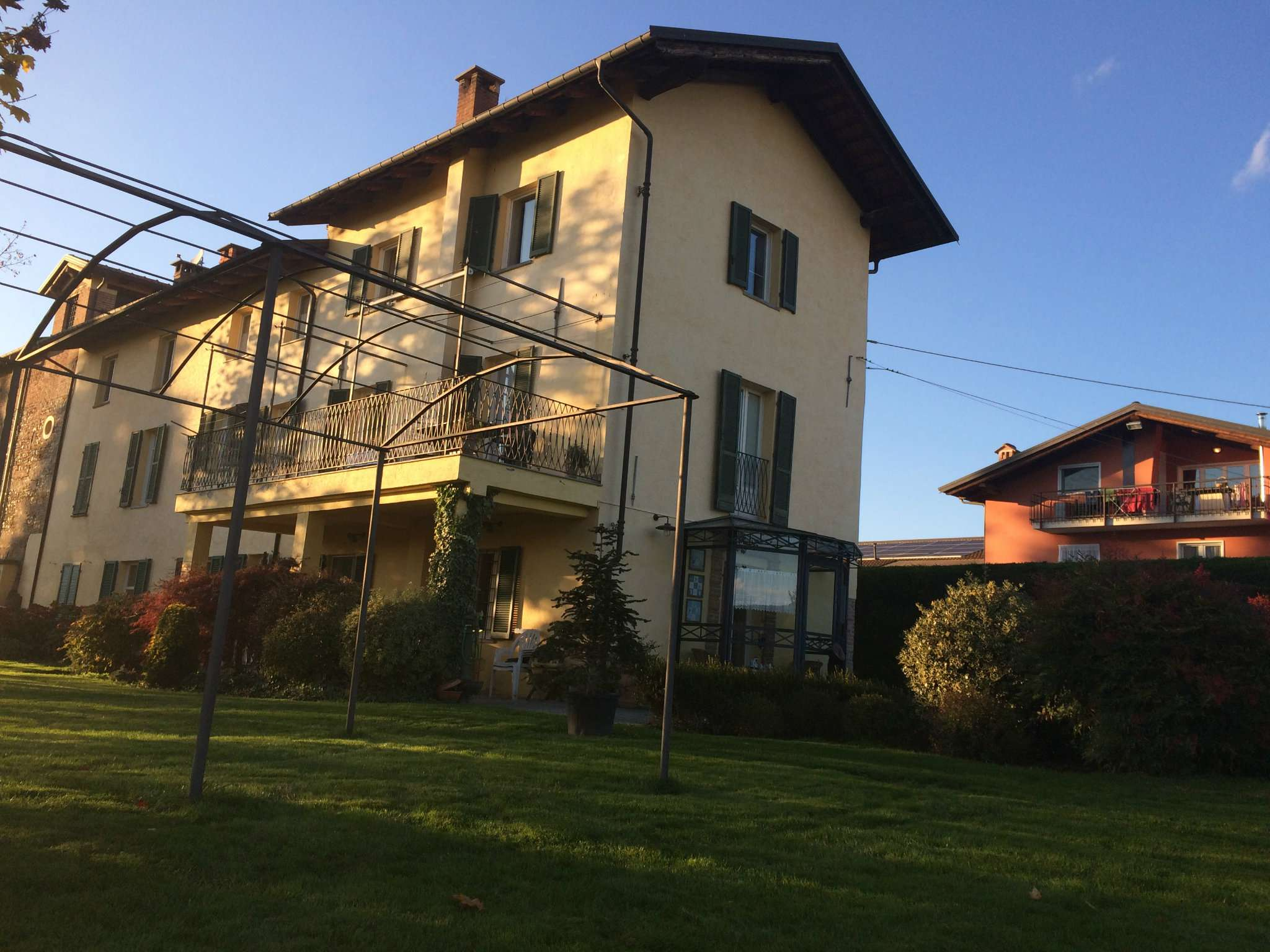 Foto 1 di Casale via del sale, frazione San Benigno, Cuneo
