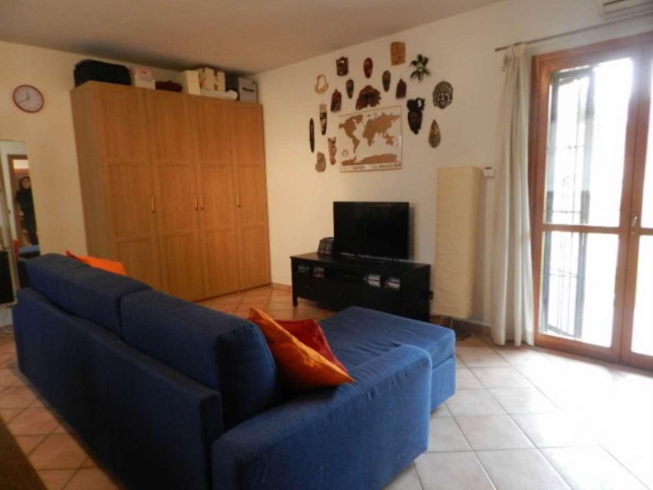 Appartamento in affitto a Torre d'Isola, 1 locali, prezzo € 400 | Cambio Casa.it