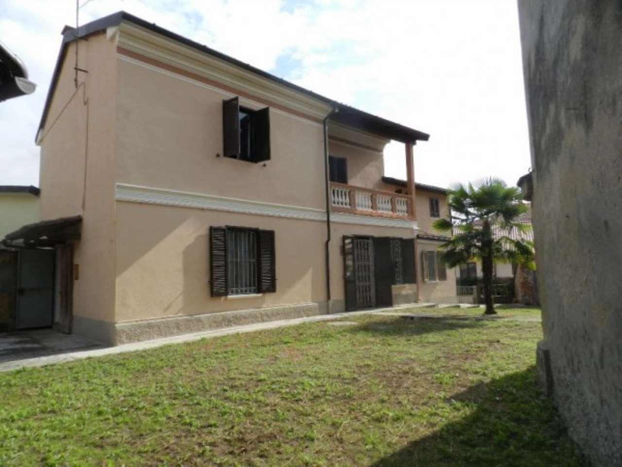 Villa in Vendita a Mortara