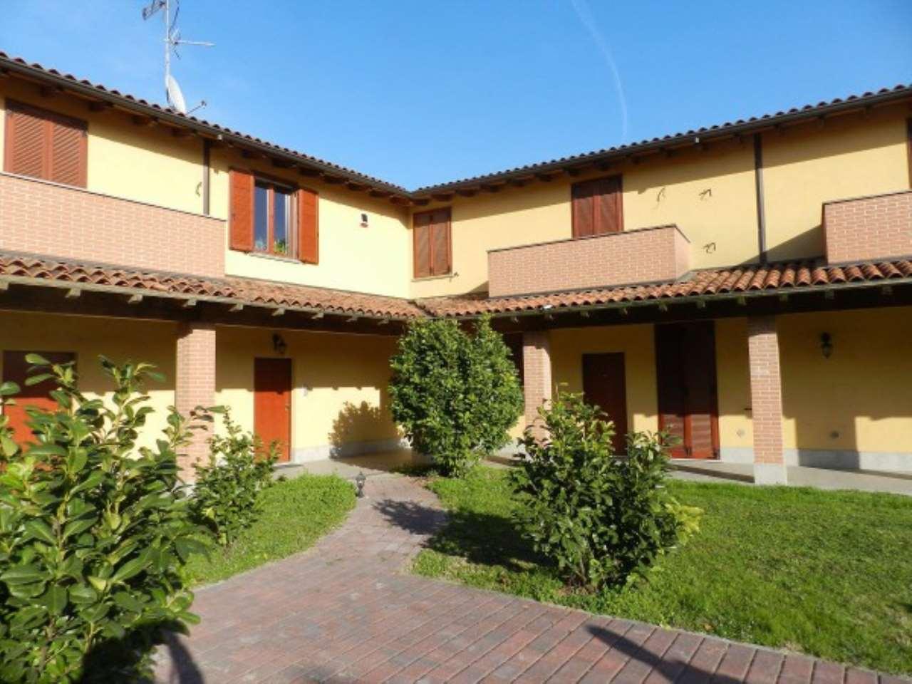Villa a Schiera in vendita a San Martino Siccomario, 3 locali, prezzo € 160.000 | CambioCasa.it