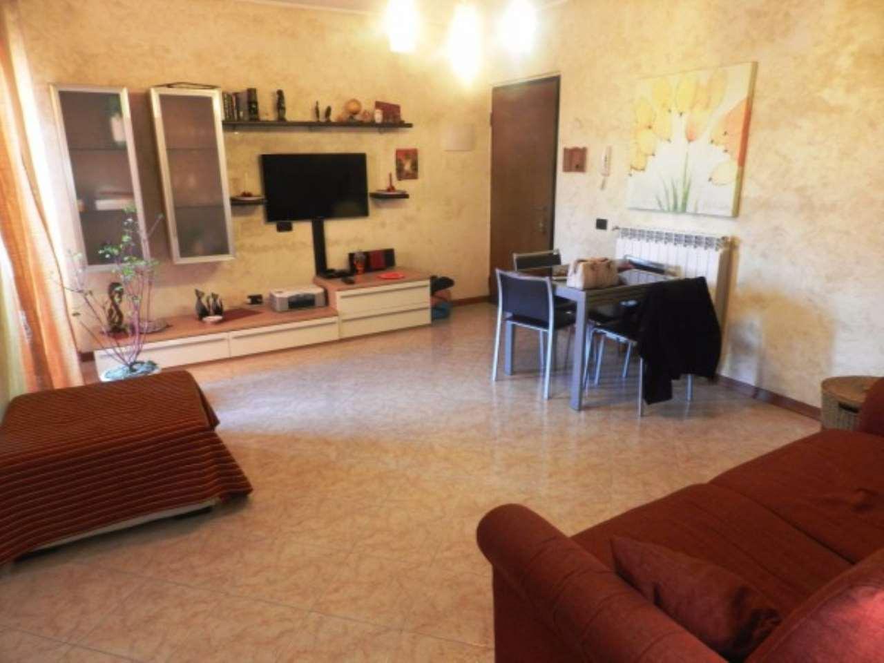 Appartamento in Vendita a Sant'Alessio con Vialone
