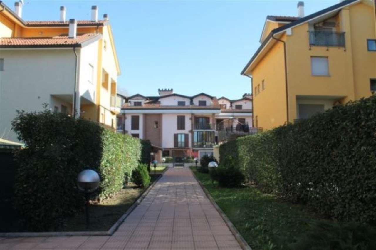 Appartamento in vendita a San Martino Siccomario, 3 locali, prezzo € 130.000   Cambio Casa.it