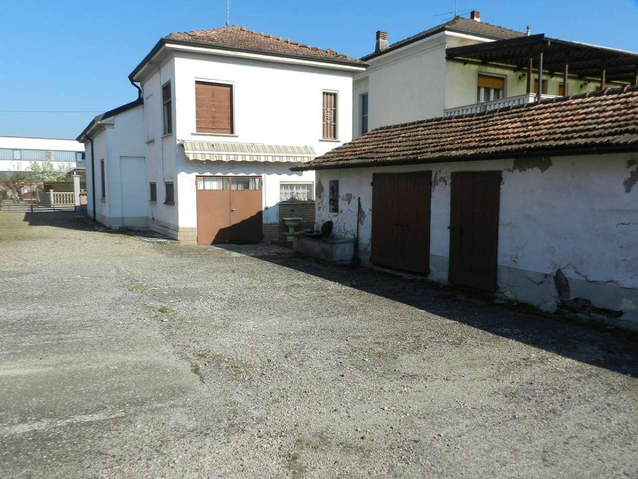 Soluzione Indipendente in vendita a Cava Manara, 4 locali, prezzo € 110.000 | Cambio Casa.it