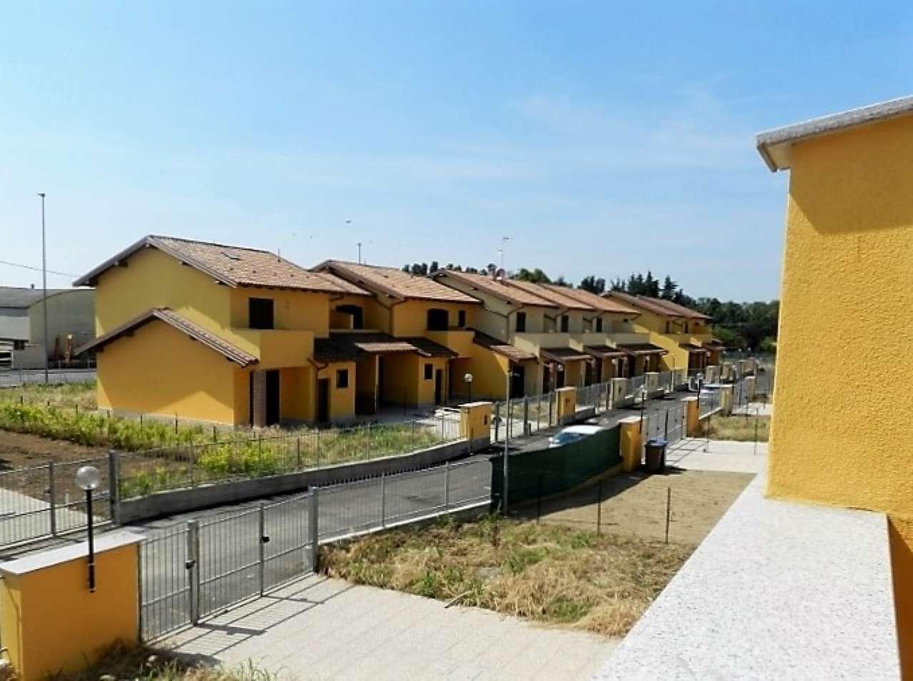 Villa in vendita a Vellezzo Bellini, 4 locali, prezzo € 229.000 | Cambio Casa.it