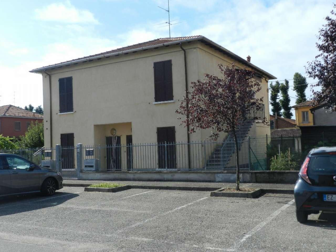 Appartamento in vendita a Certosa di Pavia, 2 locali, prezzo € 92.000 | CambioCasa.it