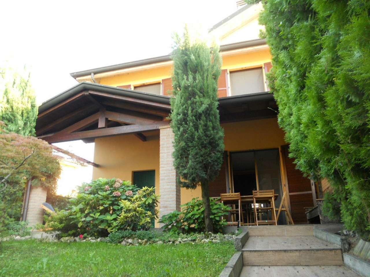 Villa Bifamiliare in vendita a Boffalora d'Adda, 7 locali, prezzo € 268.000 | CambioCasa.it