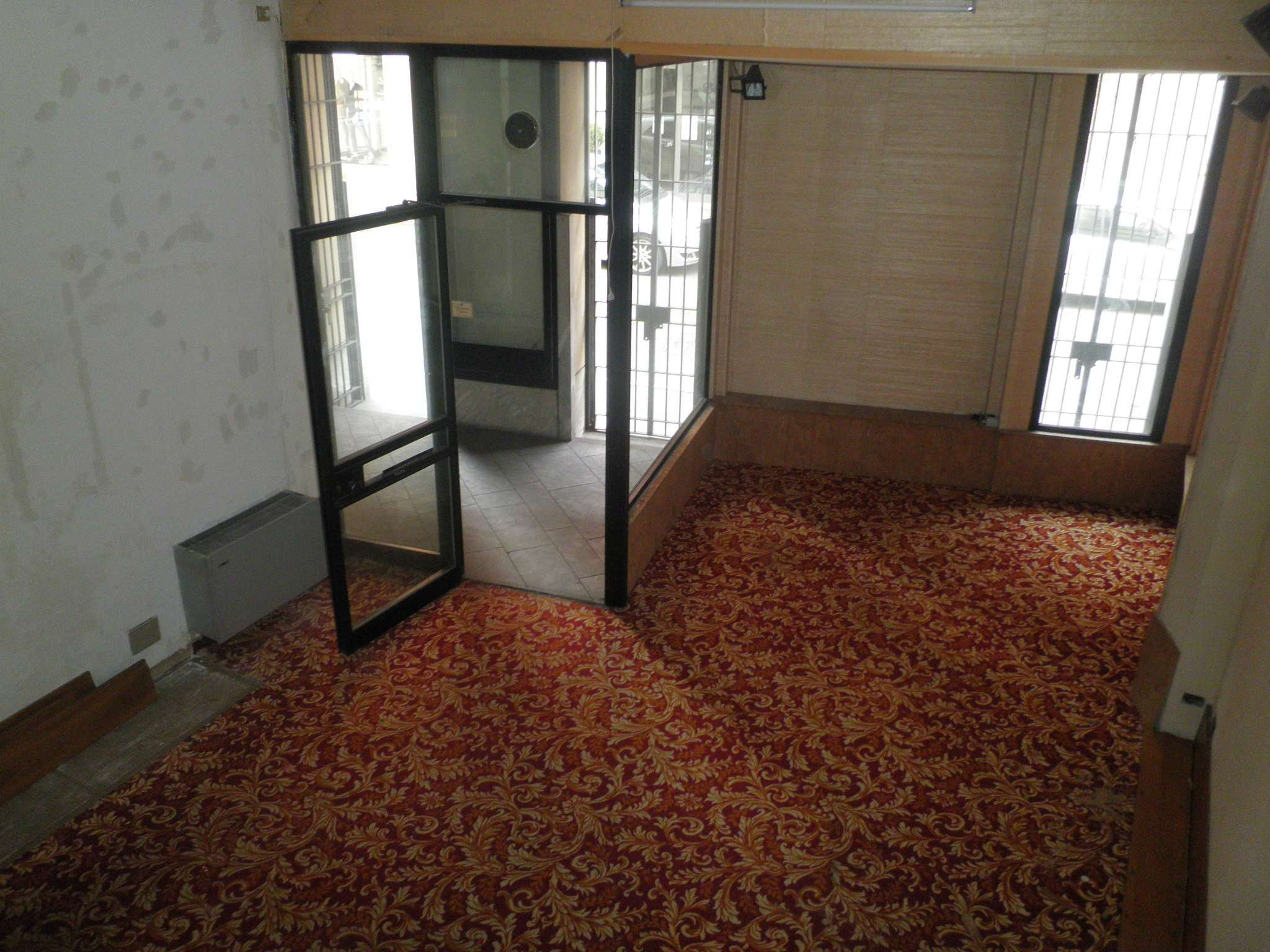Negozio / Locale in affitto a Lodi, 2 locali, prezzo € 550 | CambioCasa.it
