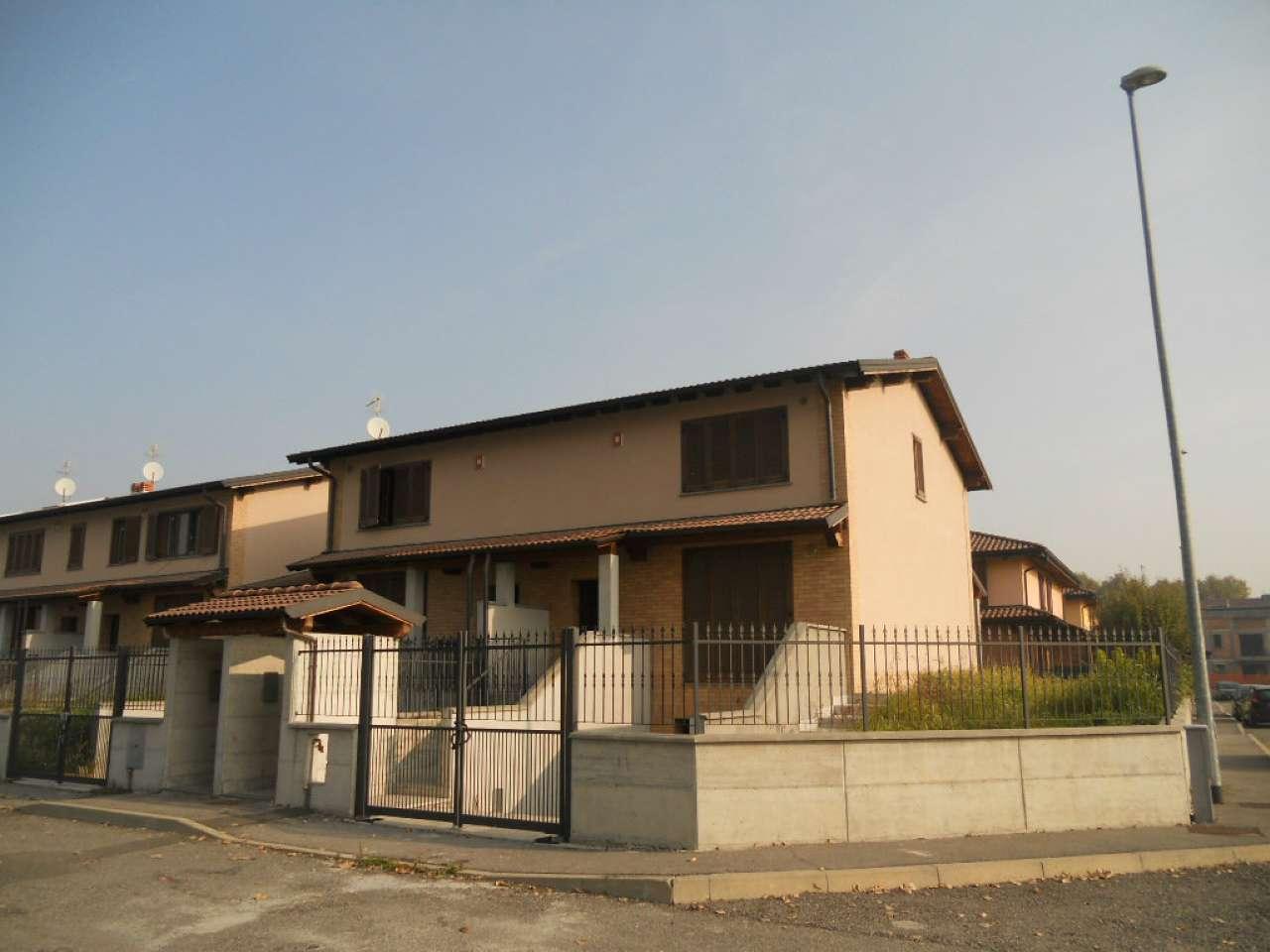 Villa Bifamiliare in Vendita a Pieve Fissiraga