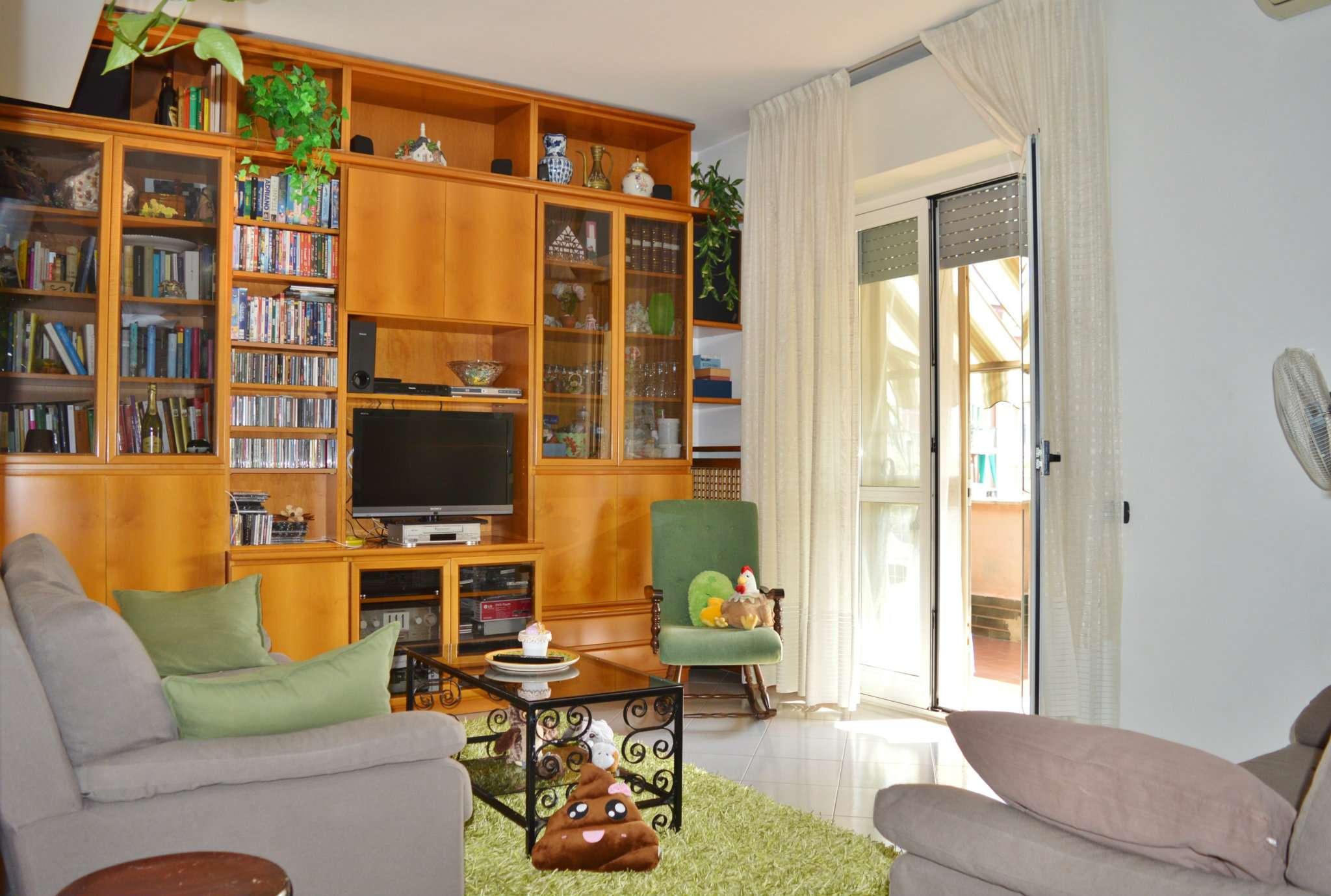 Appartamento in vendita a Pero, 4 locali, prezzo € 280.000 | CambioCasa.it