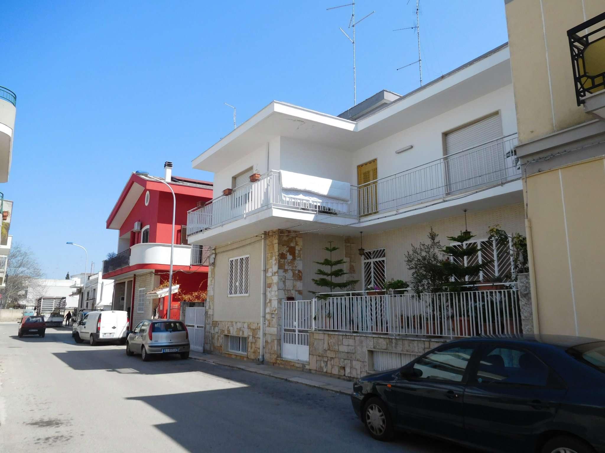 Appartamento in vendita a Modugno, 5 locali, prezzo € 185.000 | CambioCasa.it