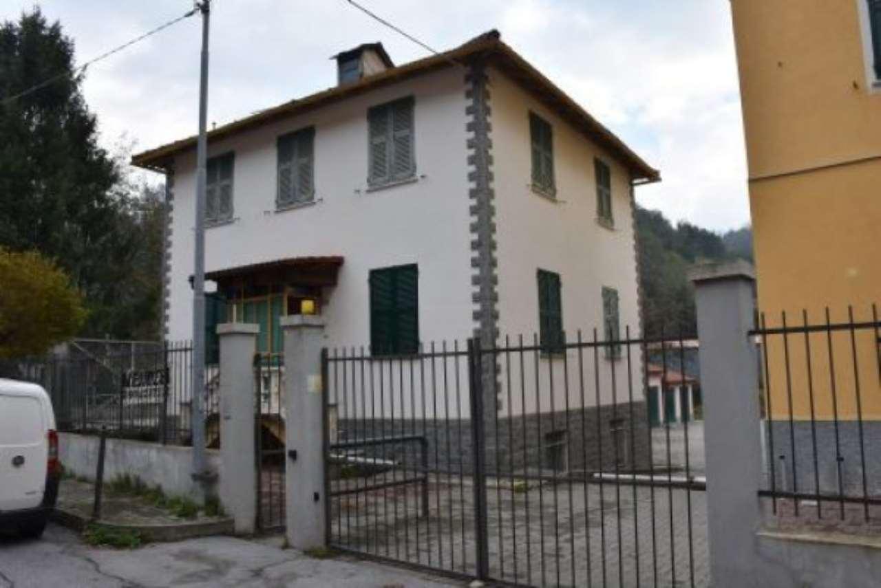 Villa in vendita a Ceranesi, 8 locali, prezzo € 210.000 | Cambio Casa.it