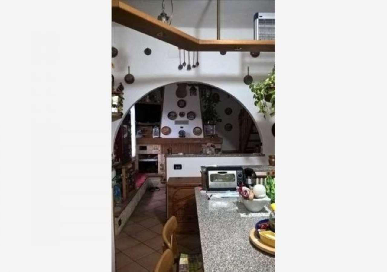 Villa in vendita a Ceranesi, 7 locali, prezzo € 200.000 | Cambio Casa.it