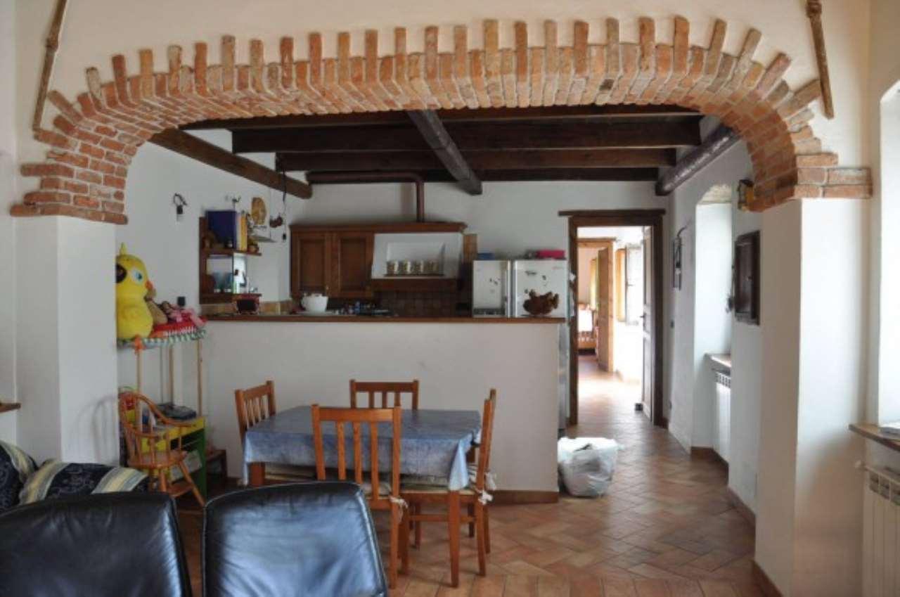 Soluzione Indipendente in vendita a Serra Riccò, 8 locali, prezzo € 230.000 | Cambio Casa.it