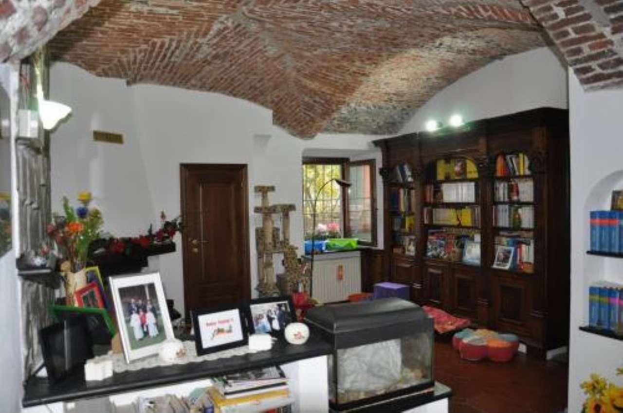 Villa in vendita a Genova, 9 locali, prezzo € 199.000   CambioCasa.it