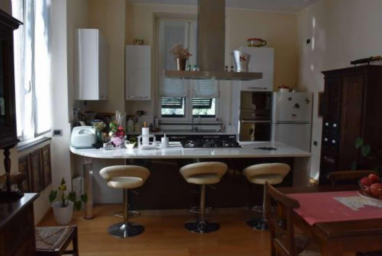 Foto 1 di Villa via Antonietta Massuccone Mazzini, Genova (zona Bolzaneto)