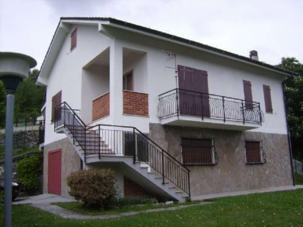 Villa in vendita a Mignanego, 10 locali, prezzo € 299.000 | CambioCasa.it