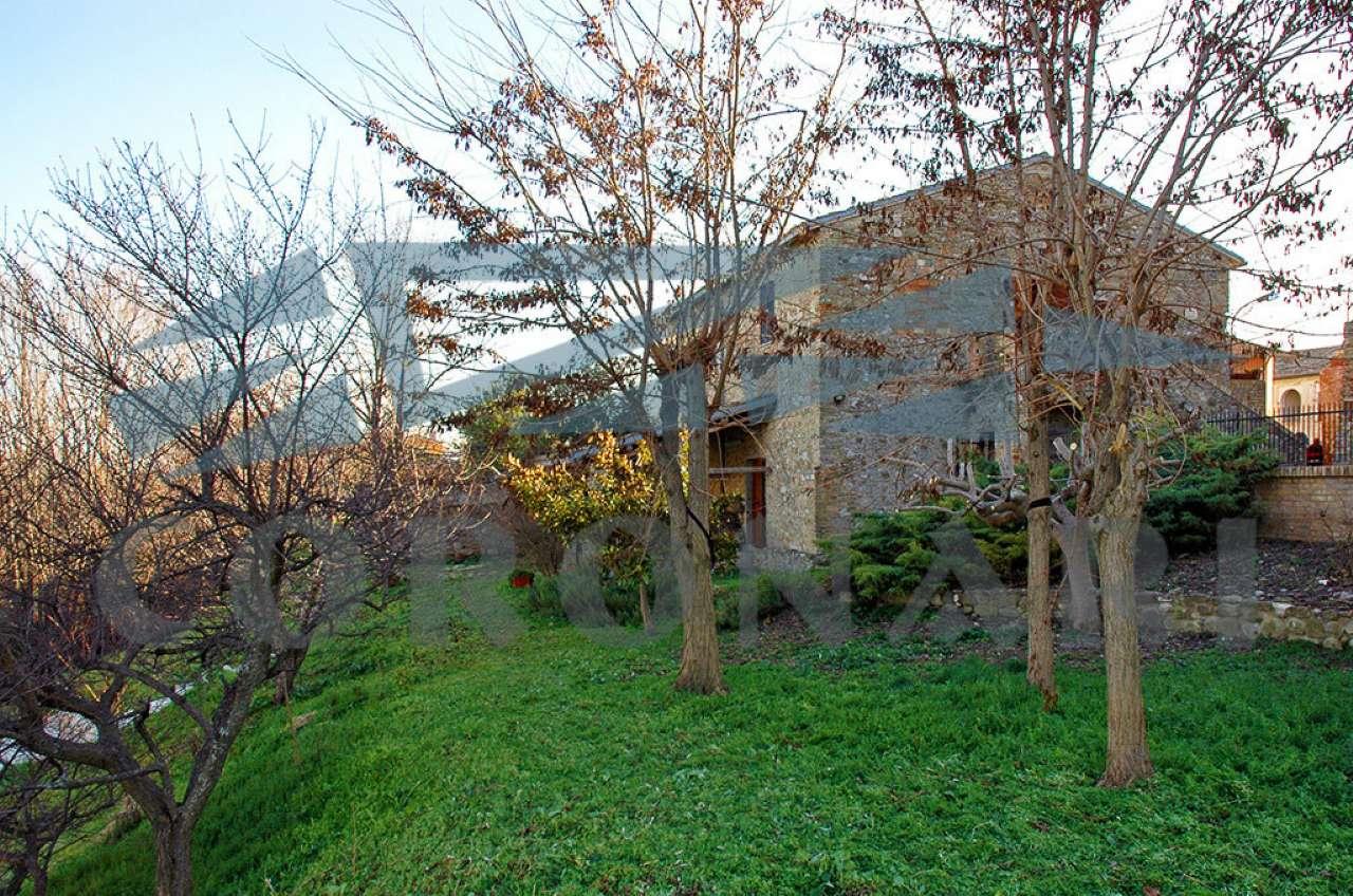 Casale in vendita a Bellante (TE)