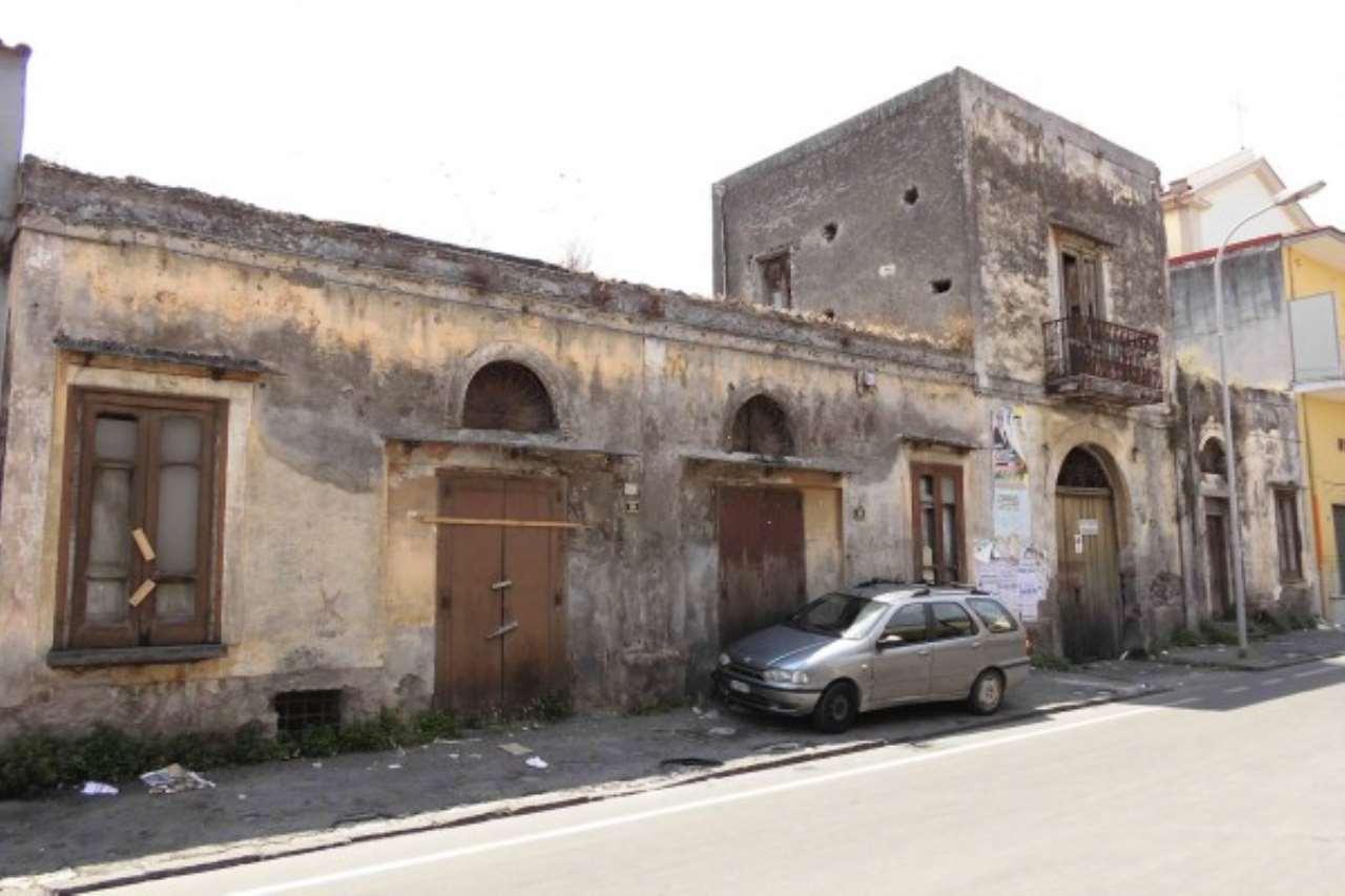 Rustico / Casale in vendita a Boscoreale, 9999 locali, prezzo € 450.000 | CambioCasa.it