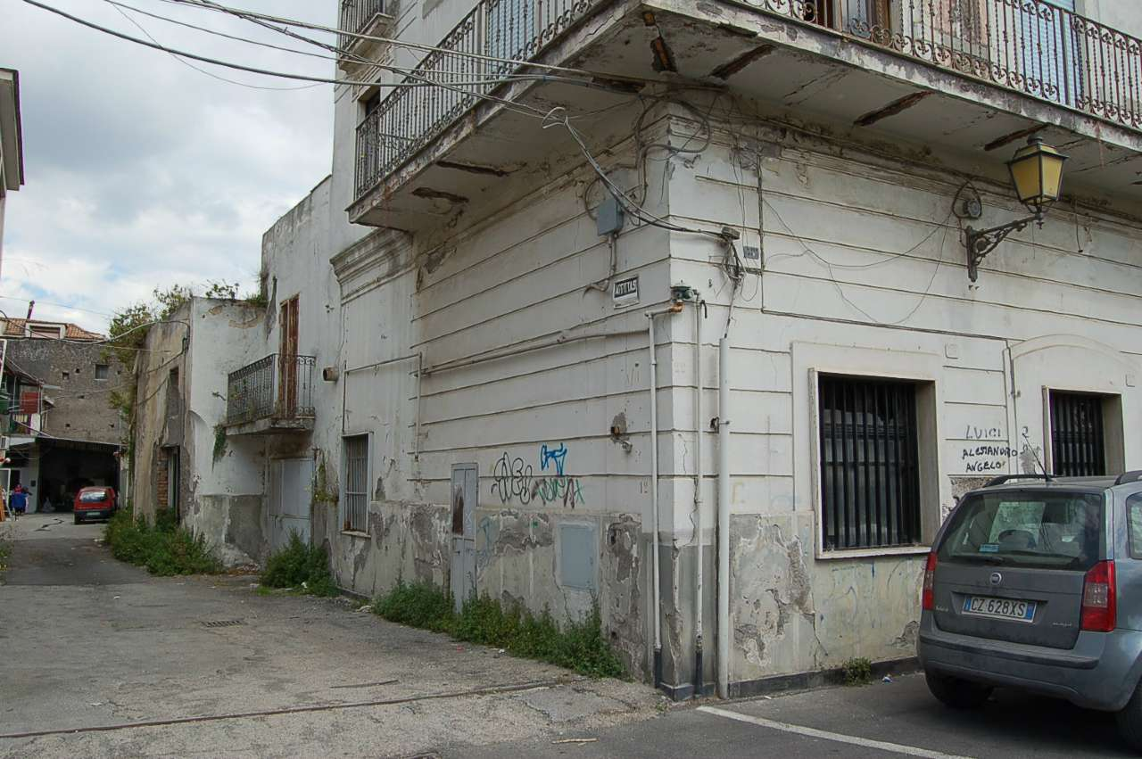 Palazzo / Stabile in Vendita a Scafati