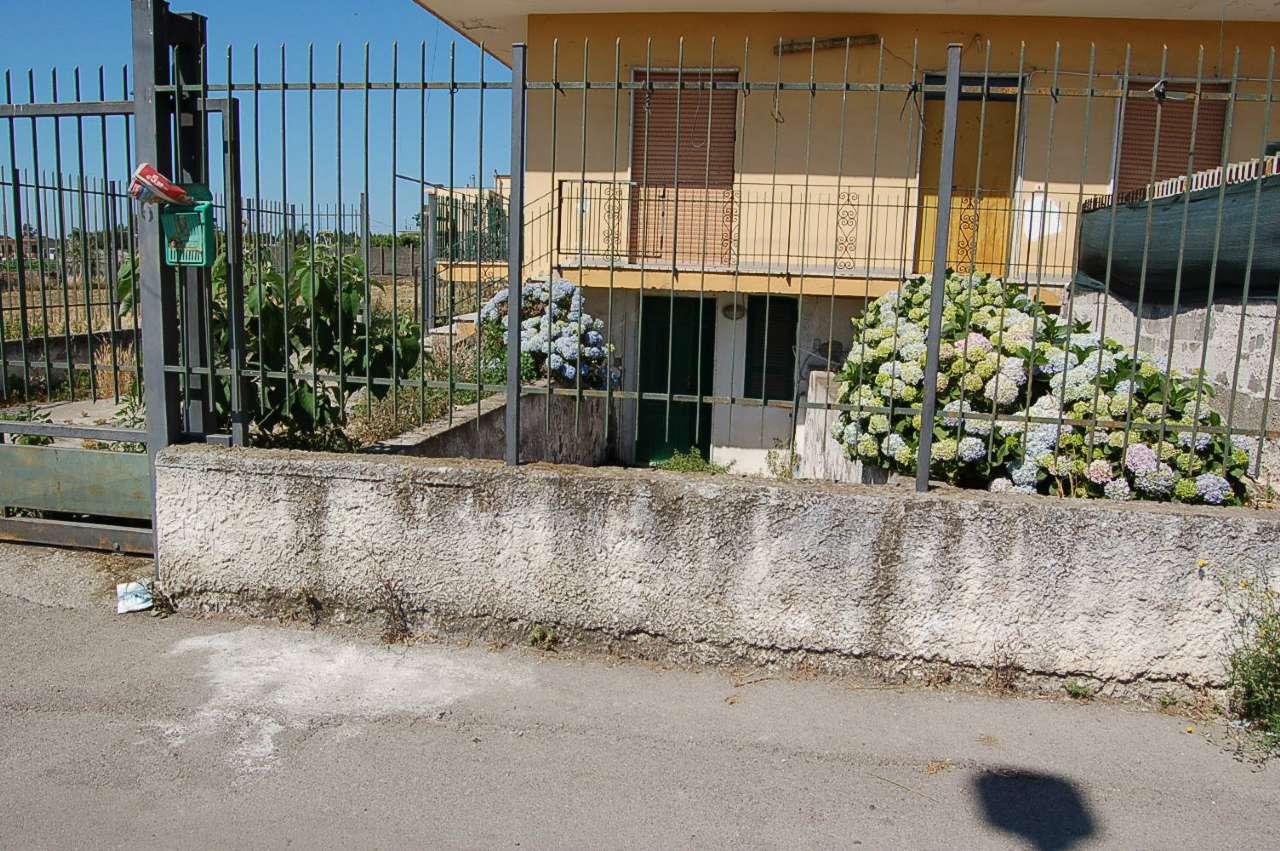 Soluzione Indipendente in vendita a Pompei, 9999 locali, prezzo € 240.000 | CambioCasa.it