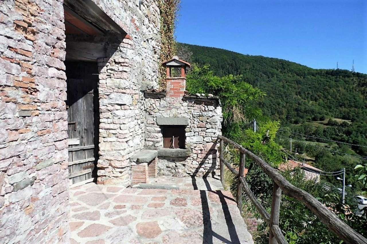 Palazzo / Stabile in vendita a Villa Collemandina, 6 locali, prezzo € 115.000 | CambioCasa.it