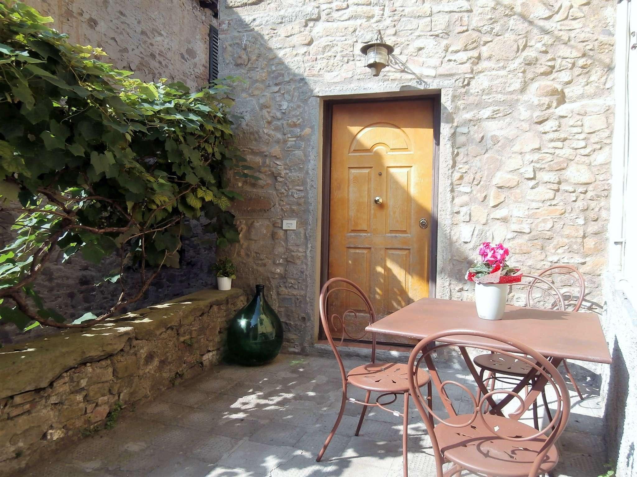 Palazzo / Stabile in vendita a Bagni di Lucca, 6 locali, prezzo € 130.000 | CambioCasa.it