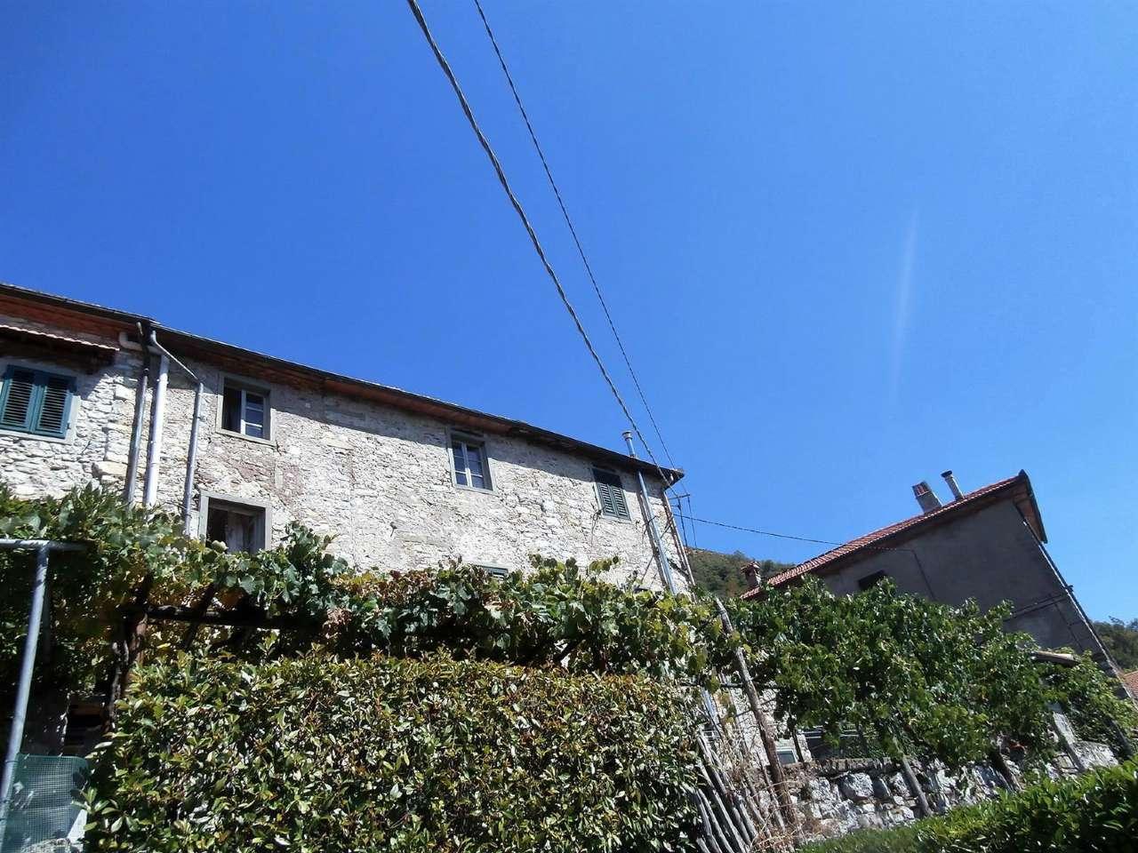 Palazzo / Stabile in vendita a Bagni di Lucca, 7 locali, prezzo € 45.000 | CambioCasa.it
