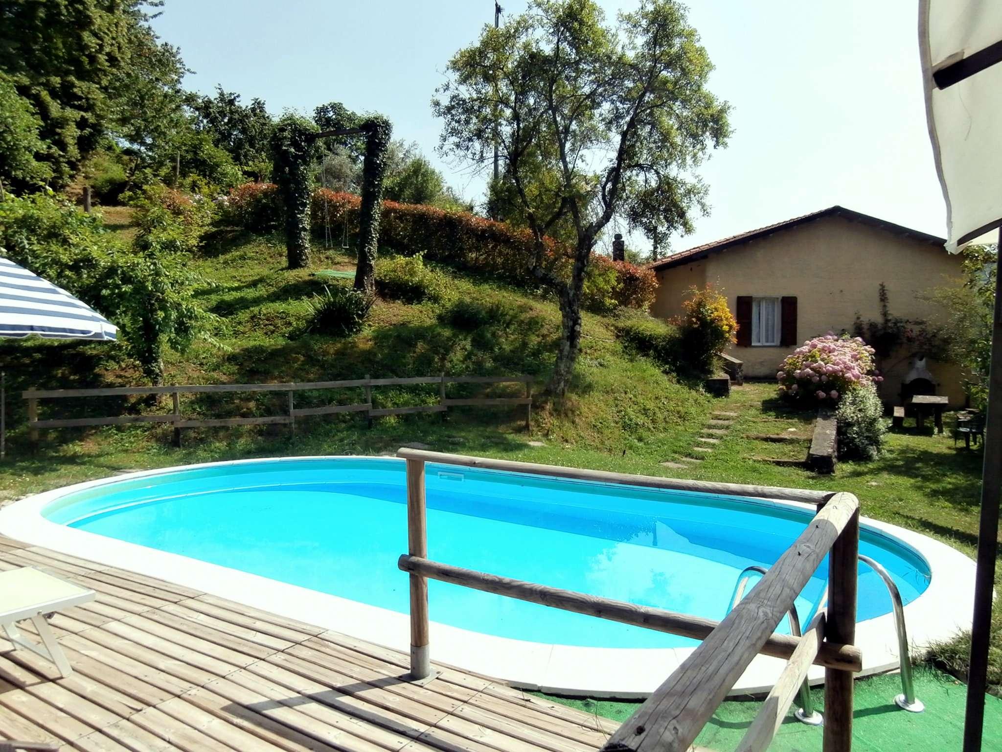 Villa in vendita a Fabbriche di Vergemoli, 7 locali, prezzo € 210.000 | CambioCasa.it