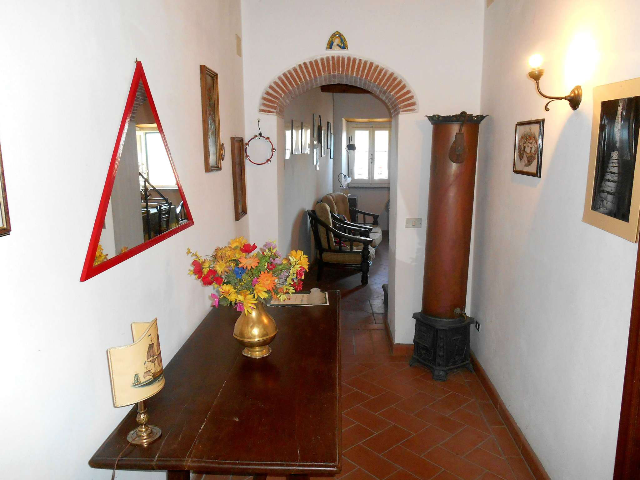 Palazzo / Stabile in vendita a Bagni di Lucca, 8 locali, prezzo € 85.000 | CambioCasa.it