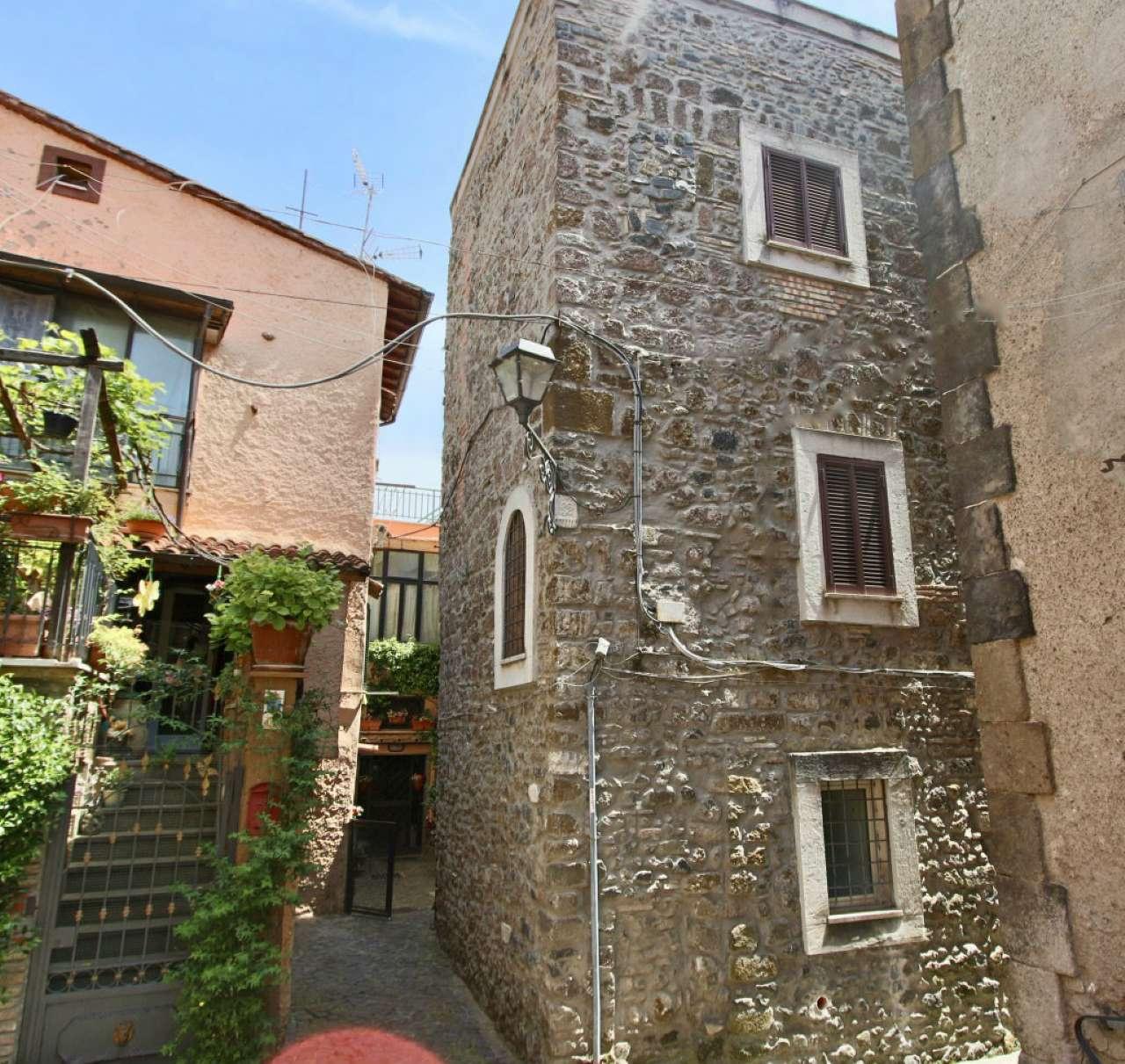 Palazzo / Stabile in vendita a Monte Compatri, 6 locali, prezzo € 210.000 | Cambio Casa.it
