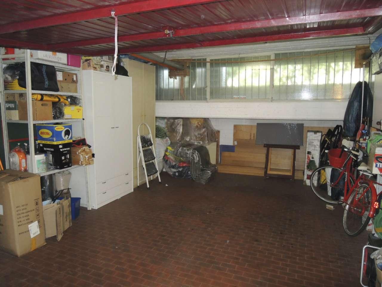 garage-Box-posto auto  in Vendita a Bagno A Ripoli