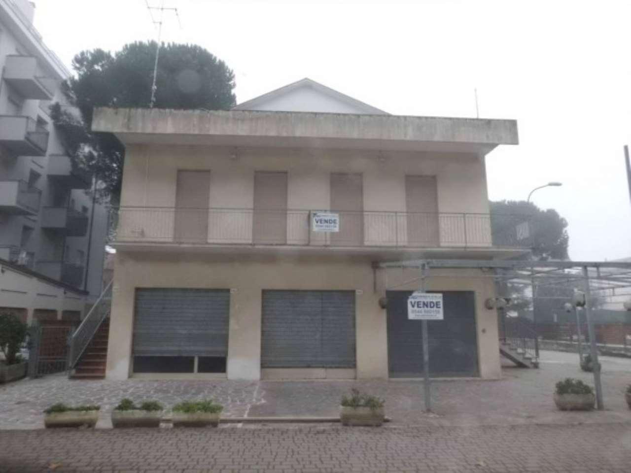 Palazzo / Stabile in vendita a Cervia - Milano Marittima, 9999 locali, Trattative riservate | Cambio Casa.it